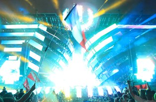 Over 160,000 People from Around the World Descend on Miami for Ultra Music Festival 2016