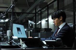 MOVIE / Matsuyama Kenichi Playing L Again in Death Note: Light Up the New World
