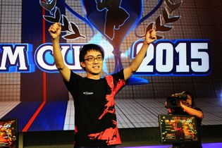 "Kazunoko Wins ""Ultra Street Fighter IV"" World Championship Capcom Cup Finals 2015!"
