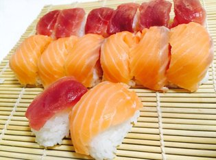 Clever cooking hack shows how easy it is to make sushi with an ice cube tray