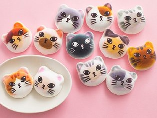 JAPAN / Nyarshmallow: The chocolate-filled cat-shaped marshmallows too cute to eat!