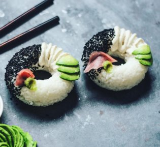 JAPAN / Donut Sushi: Who Knew Sushi Could Be This Pretty?