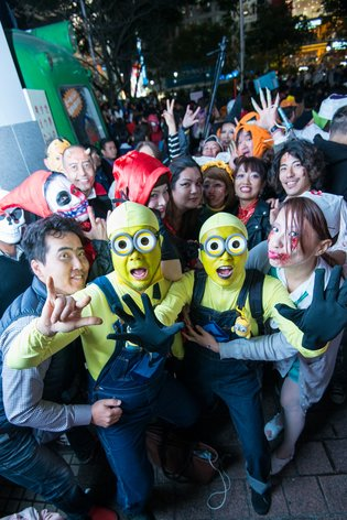 Halloween Sets Shibuya into a Panic