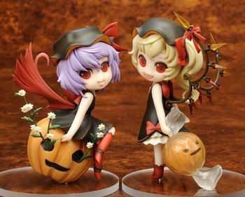 """TOUHOU PROJECT// HALLOWEEN REMII-CHAN /& FLAN-CHAN 12 CM SPECIAL PARTY 4.7/"""" BOX"""