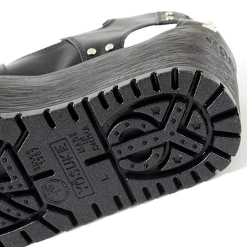 3ac1b3ef567 YOSUKE USA Platform Chunky Sandal 10