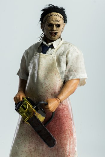 the texas chainsaw massacre leatherface 1 6th scale collectible
