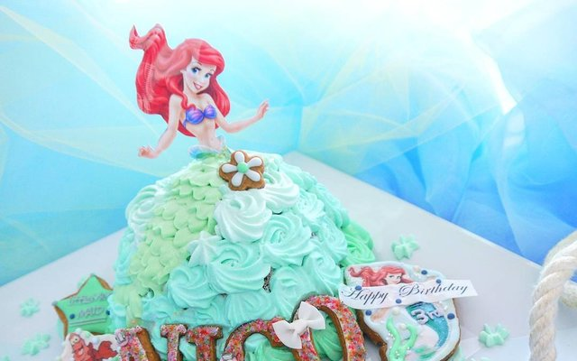 Beautifully Iced Princess Cakes are Just Too Gorgeous to Eat!