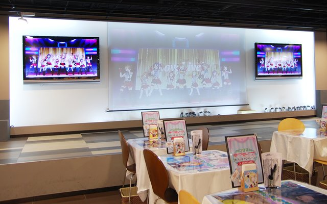 love live! part 1 collaboration! good smile x animate cafe opens