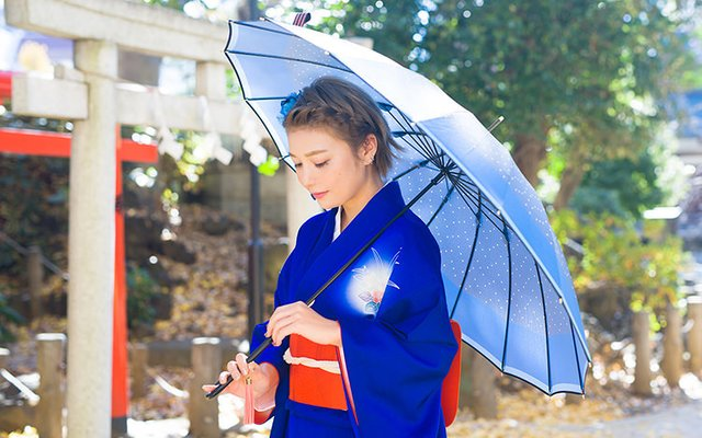 Enlist the Touken Danshi to Protect You From Rain!