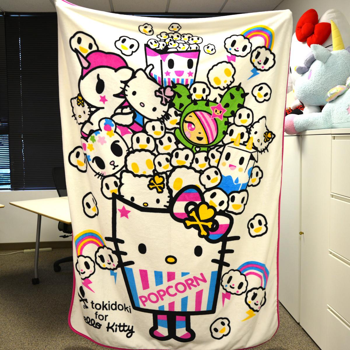 Tokidoki X Hello Kitty Big Throw Tokyo Otaku Mode Shop Kimono Handuk
