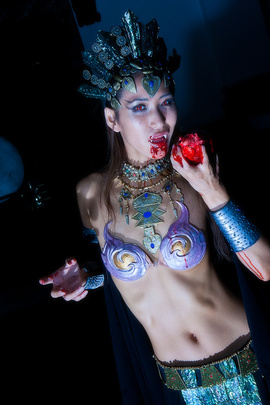 Queen of the Damned ; Akasha