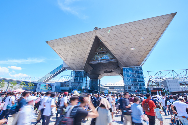 A TOM Member Visits Comiket for the First Time